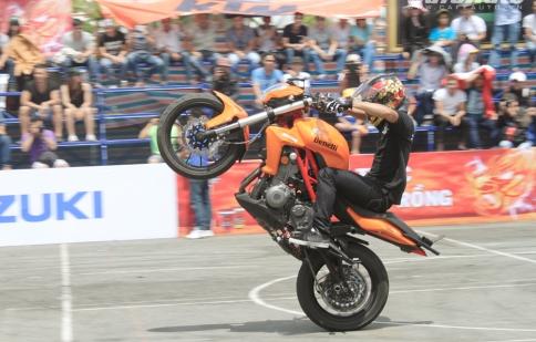 Bùng nổ stunt và drift tại Vietnam Motorbike Festival 2014