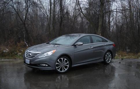 Hyundai Sonata 2015 liên tục triệu hồi