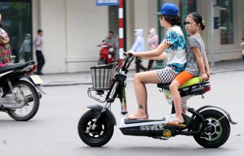 Đề xuất miễn phí trước bạ với xe máy điện