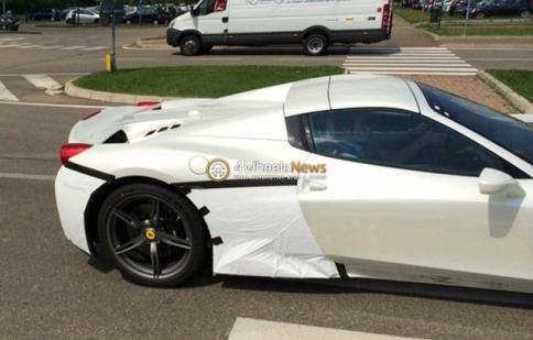 Ferrari 458 Speciale Spider lộ diện trên đường thử
