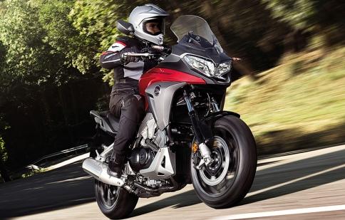 Honda VFR800X Crossrunner 2015 mạnh hơn với động cơ nâng cấp