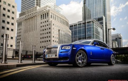 """Xe sang Rolls-Royce đang """"bán đắt như tôm tươi"""""""