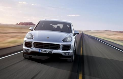 Porsche Cayenne 2015: tiết kiệm hơn, nhanh hơn