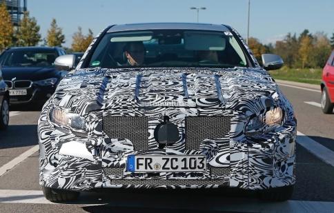 Mercedes-Benz E-Class thế hệ mới lộ thiết kế tỷ đô