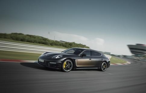 Porsche Panamera Exclusive số lượng giới hạn có giá tới 13,8 tỷ đồng