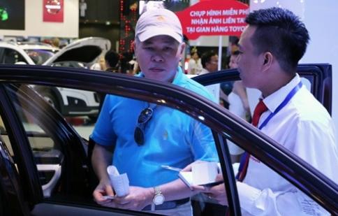 Lại câu hỏi khó: Bao giờ giá ôtô giảm?