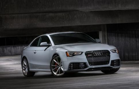 Audi ra mắt RS5 Sport edition 2015, sản xuất giới hạn chỉ 75 chiếc
