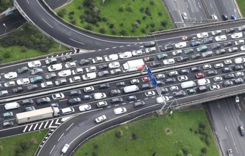 Ô nhiễm và tắc đường nghiêm trọng Trung Quốc hạn chế xe ô tô