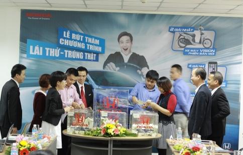 """Honda Việt Nam trao thưởng cho khách hàng """"Lái thử trúng thật"""""""