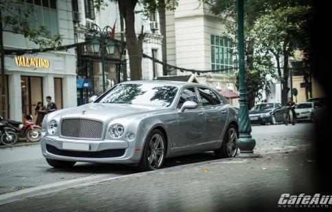 """""""Quý tộc Anh"""" Bentley Mulsanne phiên bản Le Mans dạo phố Hà Nội"""