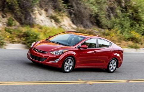 Hyundai Elantra 2016 ra mắt phiên bản mới