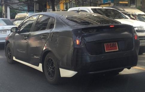 Toyota Prius 2016 lộ ảnh thử ngiệm ở Thái Lan