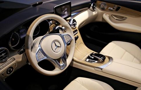 Hình ảnh đầu tiên về nội thất Mercedes C-class Cabriolet
