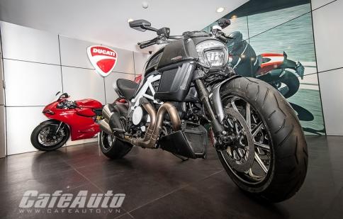 """Ngắm Ducati Diavel Carbon trắng """"không tì vết"""" tại Việt Nam"""