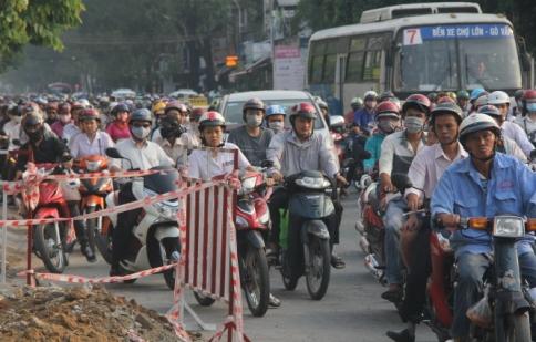 Thu phí xe máy để làm gì?