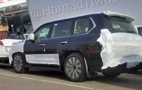 Sau ngoại thất Lexus LX 2016 tiếp tục lộ ảnh nội thất