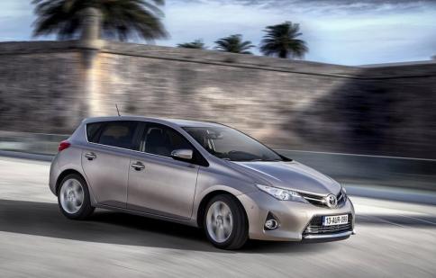 """625.000 xe Toyota hybrid có nguy cơ thành xe """"thường"""""""