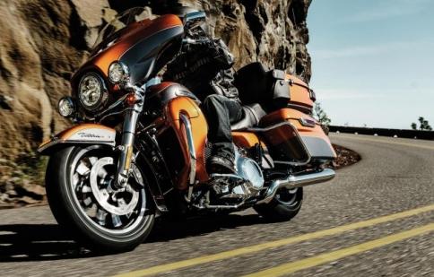 Harley Davidson triệu hồi 185.000 xe vì… túi da
