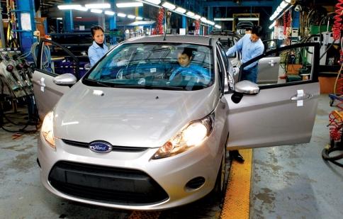 Công nghiệp phụ trợ ngành ô tô tại Việt Nam vẫn còn xa
