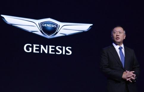 """Hyundai Genesis """"tuyên chiến"""" với các thương hiệu xe sang"""