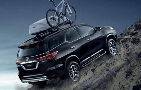 Toyota Fortuner 2016 trình diễn khả năng offroad ấn tượng