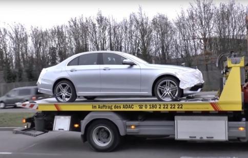 Mercedes-Benz E-Class 2016 lộ hình ảnh ngoại thất, sẵn sàng ra mắt