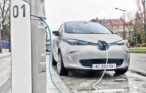 Tìm hiểu mẫu xe chạy điện Renault Zoe của Taxi Mai Linh