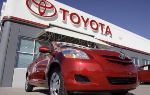 Toyota dẫn đầu 10 mẫu xe bán chạy nhất tại Nhật Bản năm 2015