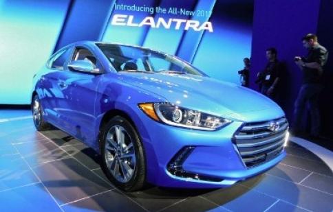Công bố giá bán Hyundai Elantra 2017