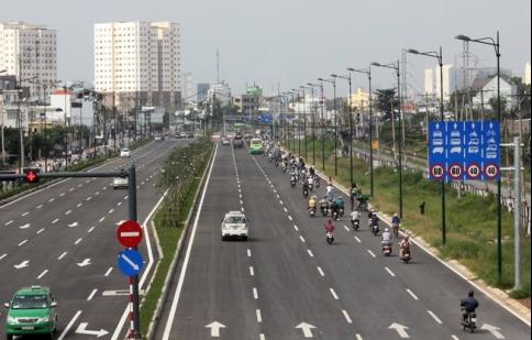 Quy định mới về tốc độ và khoảng cách an toàn đối với ô tô, xe máy