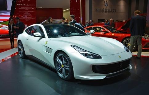 GTC4Lusso: Kẻ kế nhiệm Ferrari FF trình làng