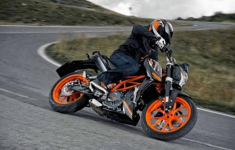 KTM 390 Duke 2017 bắt đầu thử nghiệm ở châu Âu