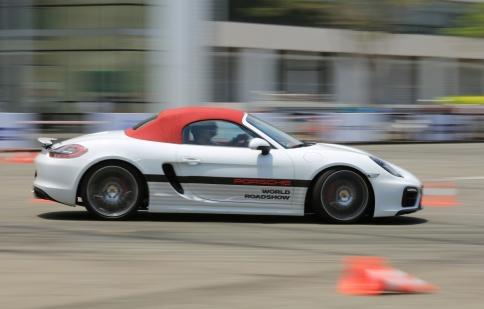 Trải nghiệm 22 mẫu xe đỉnh cao của Porsche tại Việt Nam
