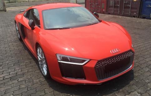 """""""Siêu xe"""" Audi R8 2016 bất ngờ cập bến Việt Nam"""