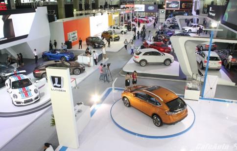 Thị trường ô tô tăng nhẹ, chờ thuế giảm