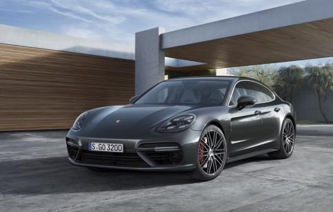 Porsche Panamera 2017 đẹp và mạnh mẽ hơn