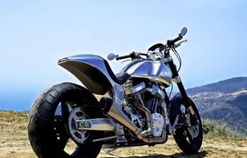 Ngôi sao từng đóng phim Ma trận sở hữu xe mô tô khủng