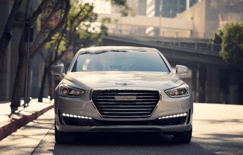 Sedan hạng sang Genesis G90 2017 giá từ 69.050 USD
