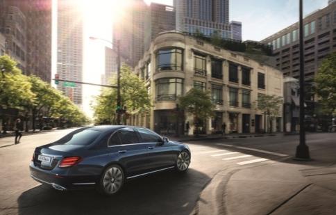 Mercedes bán E-class mới từ tháng 11/2016