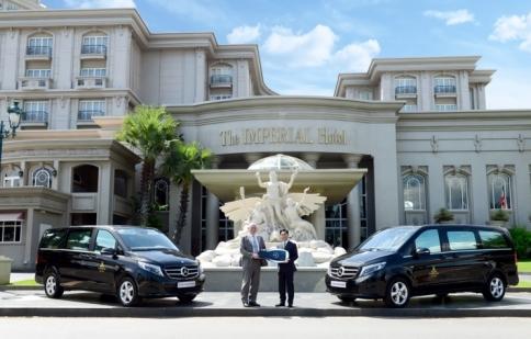 Mercedes-Benz Việt Nam bàn giao V 220 d cho khách sạn IMPERIAL Vũng Tàu