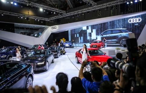 242,627 xe ô tô được người Việt mua trong tháng 10 tháng