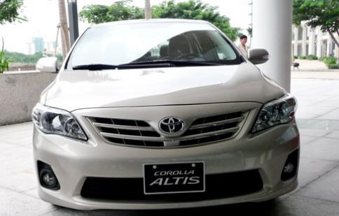 Chọn Toyota Alits hay Hyundai Elantra nhập?