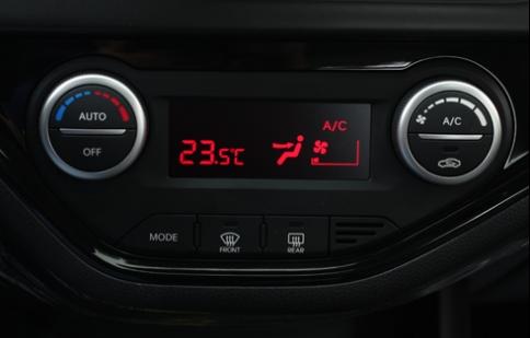 Cách xử lý mờ chân kính ôtô vào mùa đông