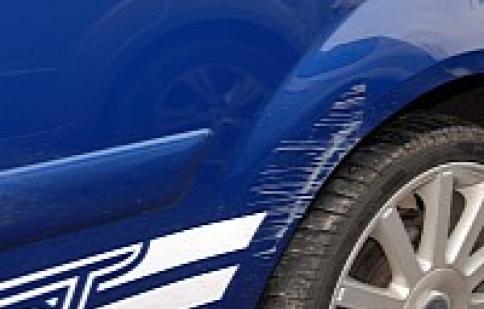 Làm thế nào để giảm bớt các vết trầy xước cho xe
