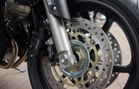 5 công nghệ an toàn hàng đầu cho môtô