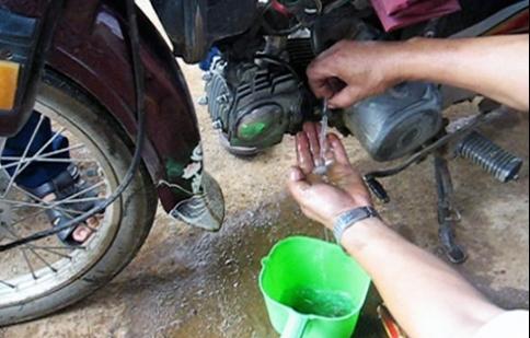 Nguy cơ tai nạn khi sử dụng xăng lẫn nước
