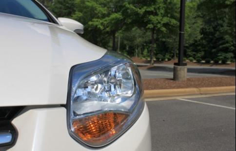 Kiểm tra đèn tín hiệu ôtô - hành động nhỏ công dụng lớn