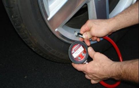Kiểm tra lốp hàng ngày trước mỗi chuyến đi