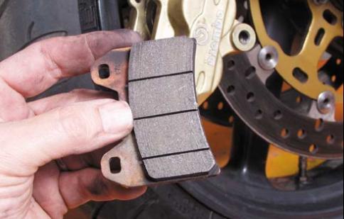 Sử dụng phanh cho xe máy thế nào để hiệu quả?