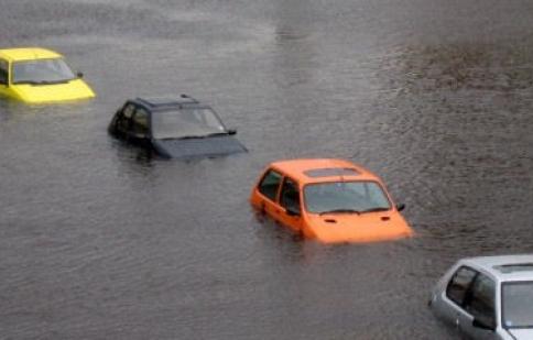Phòng tránh mua xe bị ngập nước